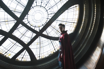 Marvel's DOCTOR STRANGEDoctor Stephen Strange (Benedict Cumberbatch)Photo Credit: Jay Maidment©2016 Marvel. All Rights Reserved.