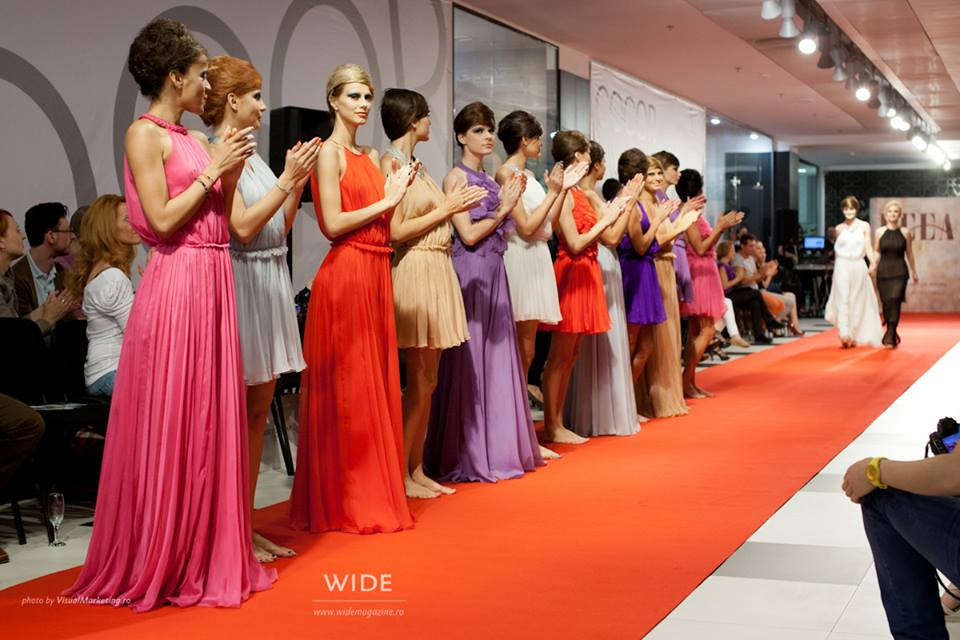 Perfect Summer - Deea Buzdugan Fashion Show Lumini de licurici