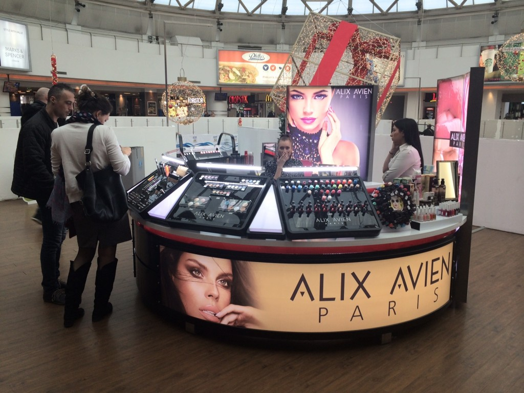 Alix Avien Paris - Plaza Romania