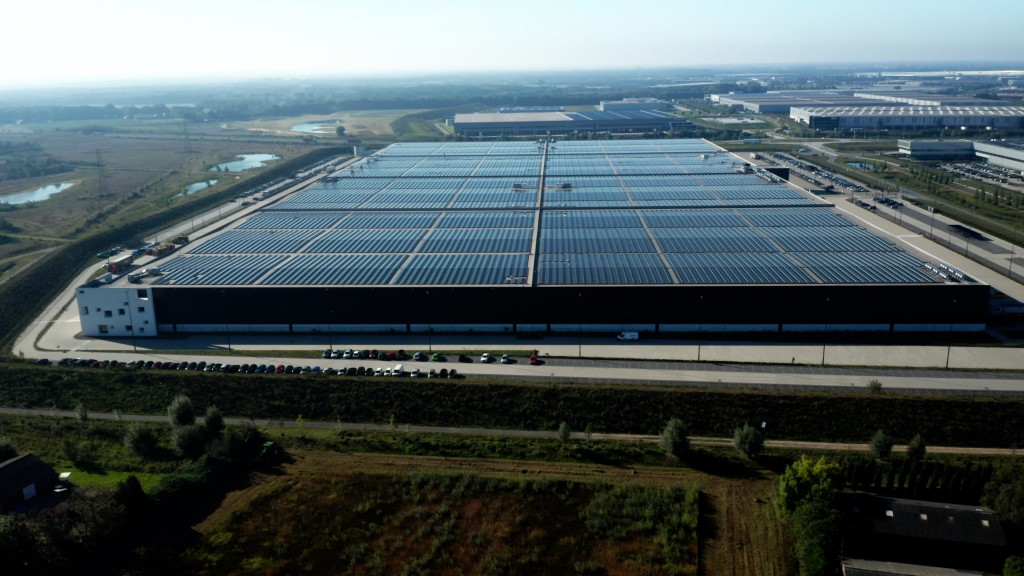 PVH Europe Solar Roof