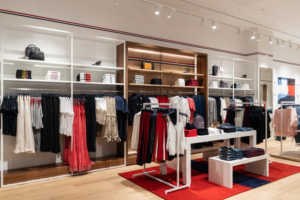 primul outlet Tommy Hilfiger din Romania
